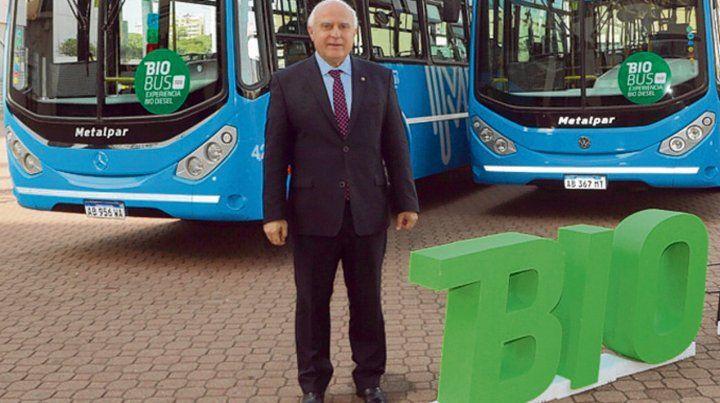 Bio bus. Lifschitz encabezó un acto en la Sociedad Rural.