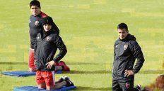 Regreso. Tevez (derecha) y Franco Pérez (atrás de Rivero) retornaron al club.