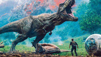 Compasión. El director J.A. Bayona se remontó al origen de la saga creada por Michael Crichton y mencionó la responsabilidad de recrear especies extintas.