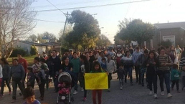 Por justicia. La marcha de ayer a la tarde en Arequito para que no vuelva a ocurrir otro caso como el de Milena.