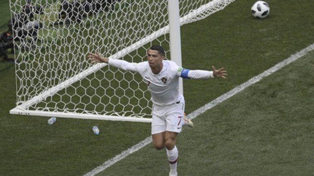 Afilado. Cristiano ya conectó el cabezazo goleador que se hundió en la red de Marruecos. El crack del Real está intratable.