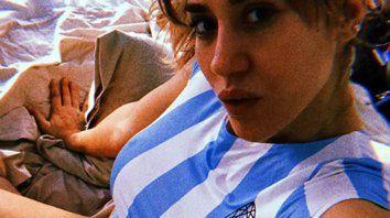 Pampita y Jimena Barón contagian la pasión por la selección