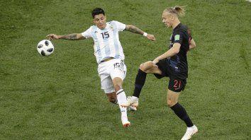 El increíble gol que desperdició Enzo Pérez solo frente al arco