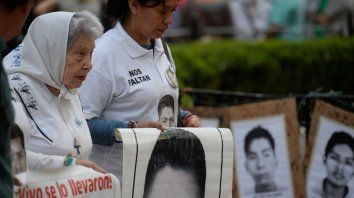 Infaltable. Chiche Massa en la Plaza 25 de Mayo.
