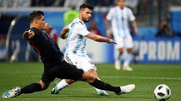 El Kun fue titular ante Croacia, pero, al igual que el equipo, tuvo un flojo rendimiento.