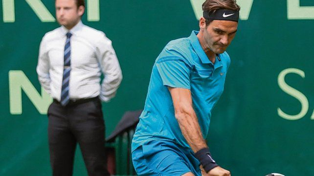 Su majestad. Federer avanza en Halle y sueña con conseguir un nuevo Wimbledon.