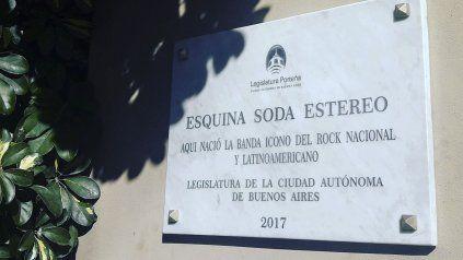 La legislatura porteña quiso homenajear a Soda Stéreo e hizo un verdadero papelón.