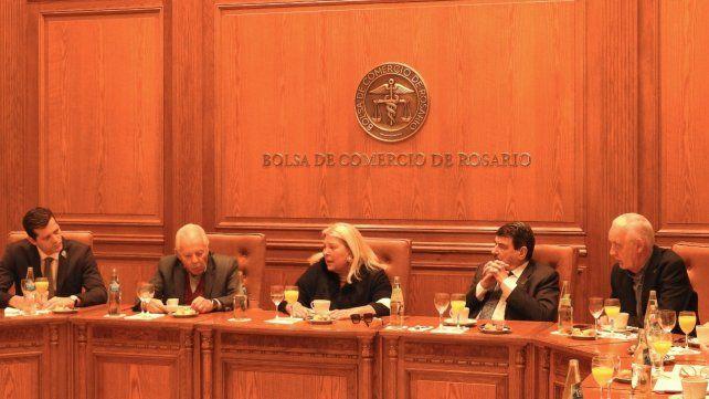 Carrió mantuvo un encuentro con directivos de la Bolsa de Comercio.