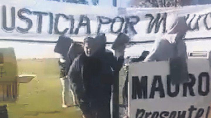 Protesta. Familiares y allegados a Mauro González hicieron oír su reclamo.