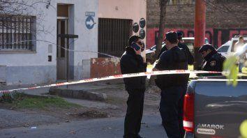 Hallan asesinada a una mujer de 61 años en la cocina de su vivienda en la zona sur