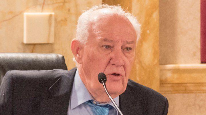 Lamberto dice que el gobierno tuvo que ir al FMI para salvarse de los errores que cometió.