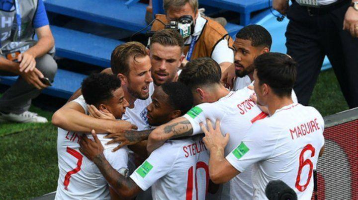 Inglaterra aplastó a Panamá y se metió en octavos del Mundial