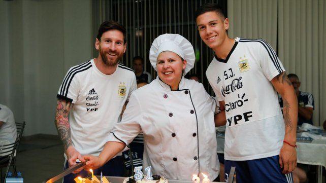 Messi con los otros dos cumpleañeros.