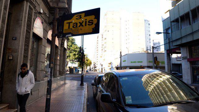 Los peones de taxis adhieren al paro