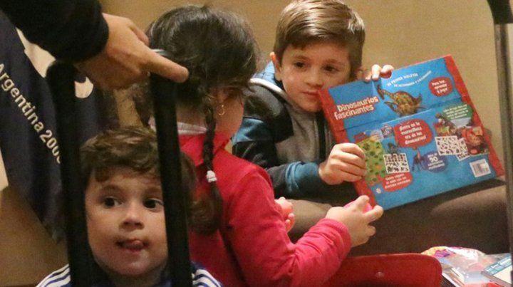 Antonela y sus tres hijos viajan a Rusia para acompañar a Lionel Messi