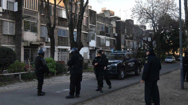 Allanamientos por usurpación de viviendas en barrio Municipal