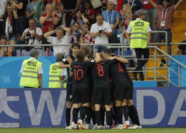 Croacia le ganó por 2 a 1 a Islandia y en octavos de final se medirá con Dinamarca