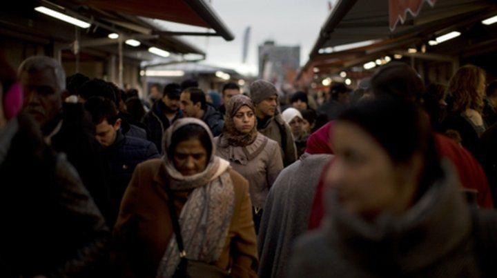 Polémica. Solo entre 200 ó 400 personas usan burka en Países Bajos.