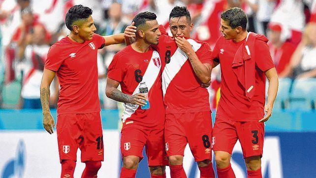 Perú vuelve a casa  con una gran sonrisa