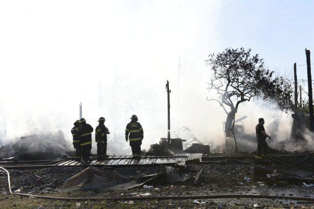 Un incendio consumió dos viviendas de barrio Ludueña