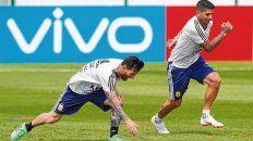 En sintonía hasta en las prácticas. Banega comparte con Messi el ser rosarinos e hinchas leprosos, además de combinar en el campo de juego, como se vio ante Nigeria.