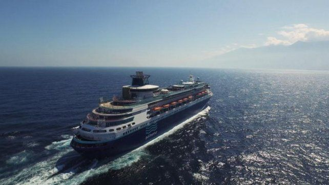 El imponente Monarch tiene capacidad para 2800 pasajeros y casi 800 tripulantes.
