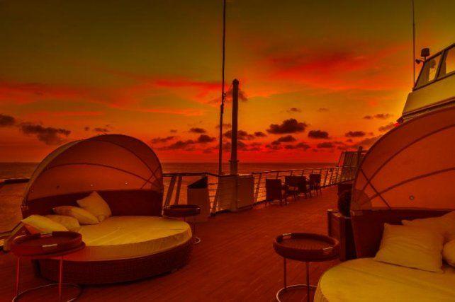 El exclusivo The Waves Yacht Club para que los pasajeros puedan disfrutar de la tranquilidad.