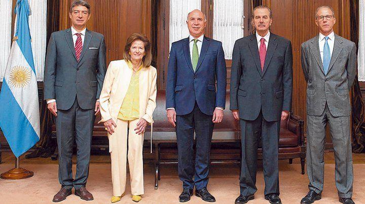 Ministros. Los integrantes de la Corte Suprema advierten sobre una paralización de actividades.