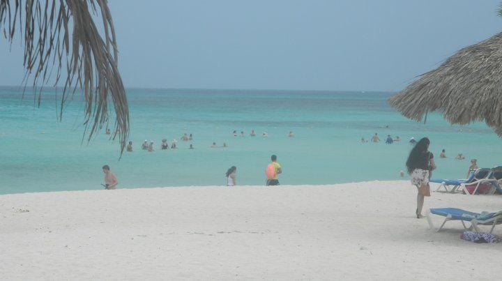 La espectacular playa Arashi en el sur de Aruba.