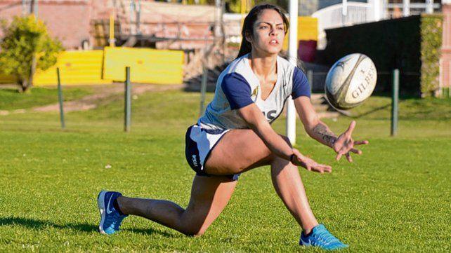 Vuelve. Juli Correale fue la primera (y por ahora única) rosarina llamada a la selección.