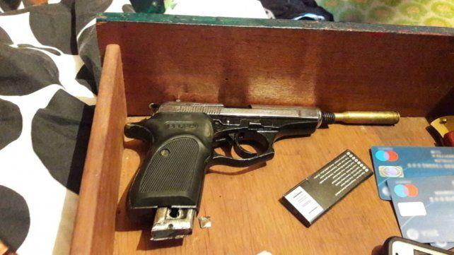 Una de las armas que eran ofrecidas en Facebook.