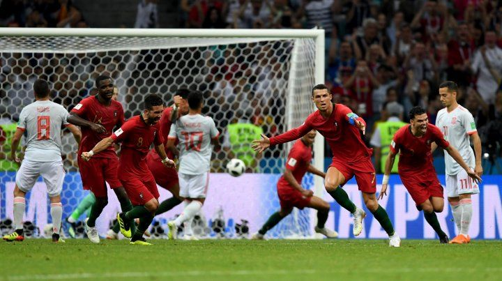 Cristiano Ronaldo empata frente a España en el último instante. Por la trascendencia del partido fue el gol más importante de la fase de grupos