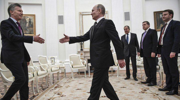 El presidente Mauricio Macri visitó Rusia en busca de inversiones en enero pasado y se reunió con su par ruso Vladimir Putin en el Kremlin.