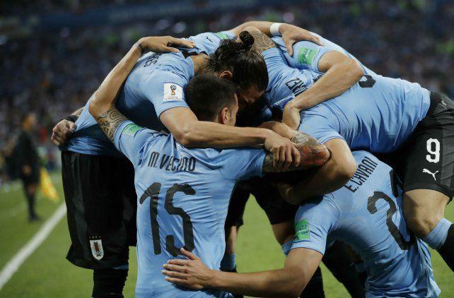 Matador. Cavani celebra el primer gol ante los portugueses