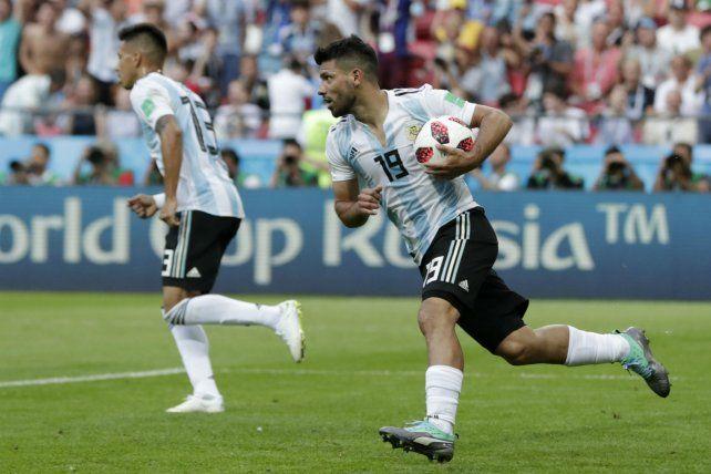Goleador. Agüero entró en el complemento y marcó el descuento ante los franceses.