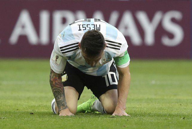 Final anunciado. El partido ya terminó y Messi lo sufre. Ayer otra vez no pesó.