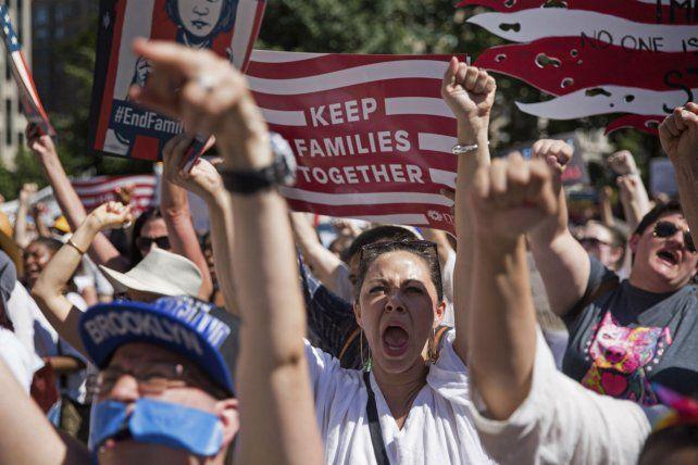 Controversia. Los manifestantes reclamaron que los niños de inmigrantes ilegales no sean criminalizados.