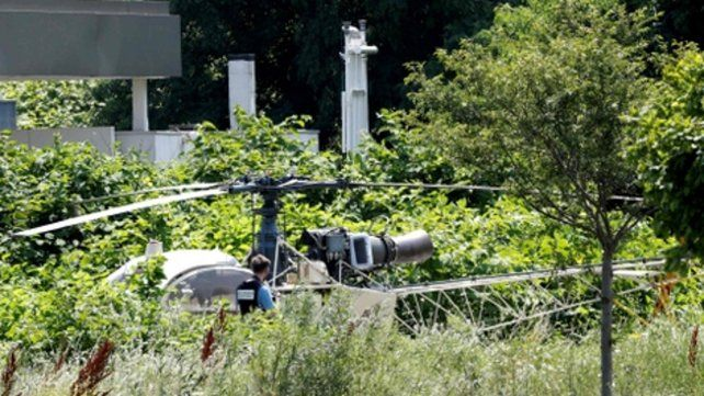 Cinematográfico. El helicóptero bajó en el patio de la prisión y en minutos liberaron al preso