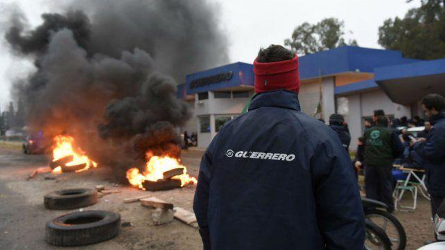 Smata protesta en las puertas de Guerrero de San Lorenzo