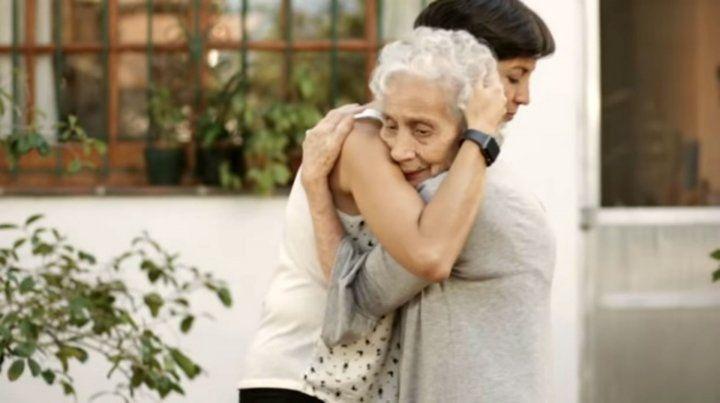 El abrazo postergado, la nueva campaña de Abuelas de Plaza de Mayo