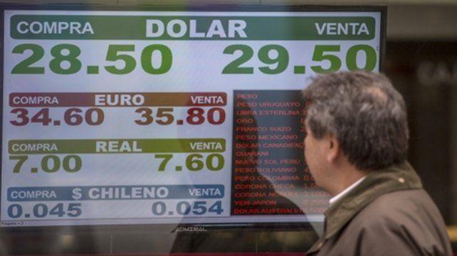 Tensión. El mercado de divisas está que arde. Ayer