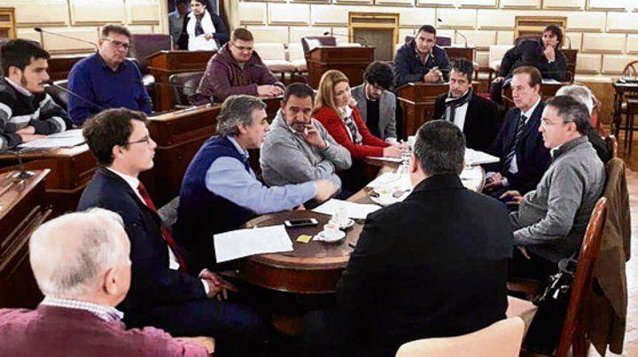 Reunión. La Comisión de Asuntos Municipales de la Cámara alta.