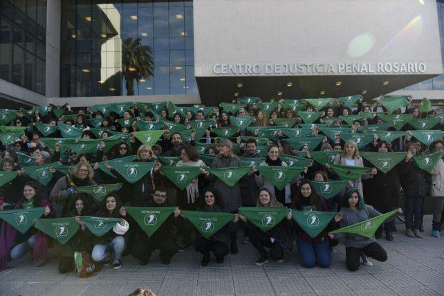 Verde por todos lados. La iniciativa fue llevada a cabo por los trabajadores del Servicio de la Defensa Penal.