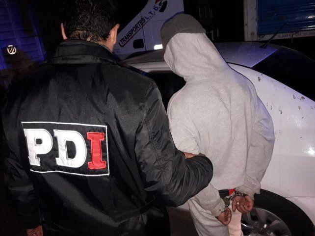 El joven sospechado de asesinar a Juan Cruz Ibáñez fue detenido esta noche en la autopista a Santa Fe mientras trataba de escapar en un micro rumbo a Chaco.