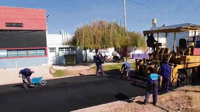 Asfalto. Las obras se hicieron en los barrios Norte y Del Pino.