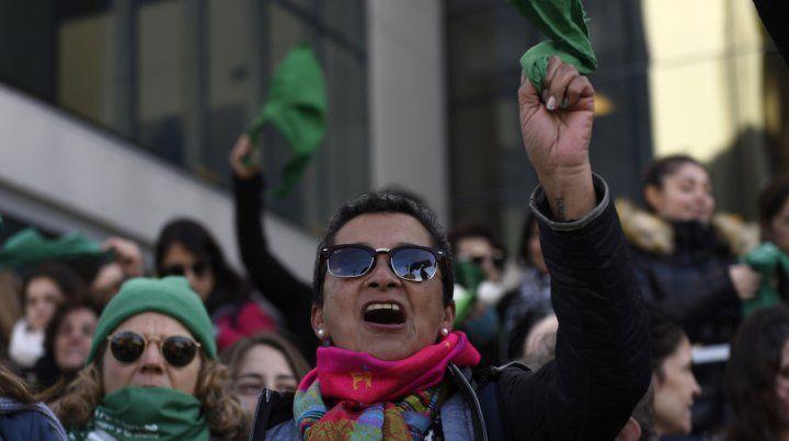 Pañuelazo judicial para que se apruebe la ley de aborto legal