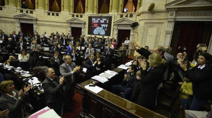 Los diputados nacionales aprobaron por unanimidad el proyecto y aplaudieron de pie a los padres de Justina