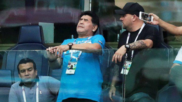 Maradona se disculpó con la Fifa por el  robo  monumental a Colombia