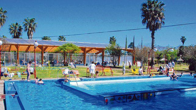 Calor invernal. Las piscinas termales permiten disfrutar de baños prolongados en pleno invierno bajo la luz del sol o de las estrellas