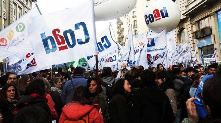 Padres de alumnos del Poli y Superior salen a la calle en defensa de la educación pública